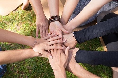 Image de solidarité en entreprises