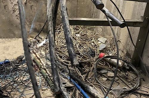 image de sabotages et coupures de câbles
